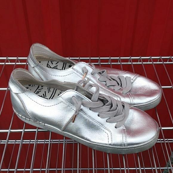 Silver size 9 Solve Vita